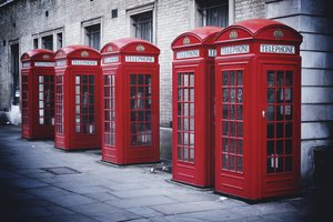 Обои на рабочий стол: city, england, london, Phone Booth, street, англия, город, лондон, Телефонная будка, улица
