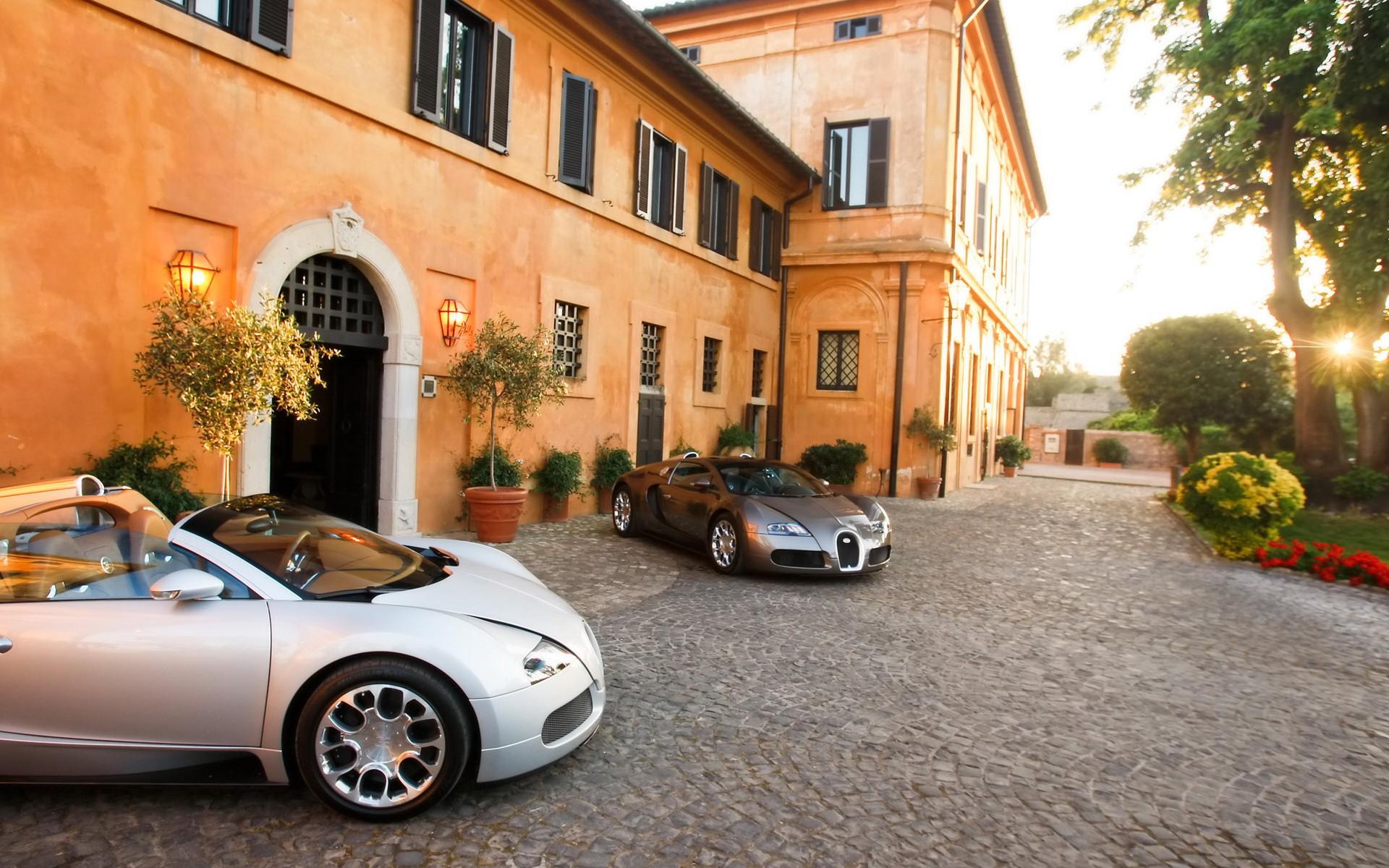 Bugatti у коттеджа скачать