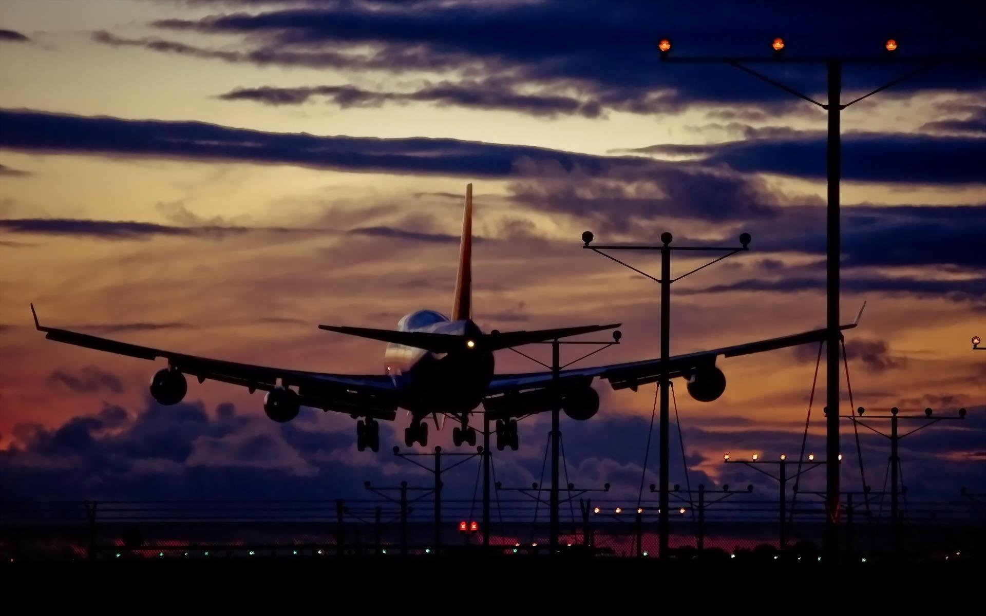 самолет полет закат бесплатно
