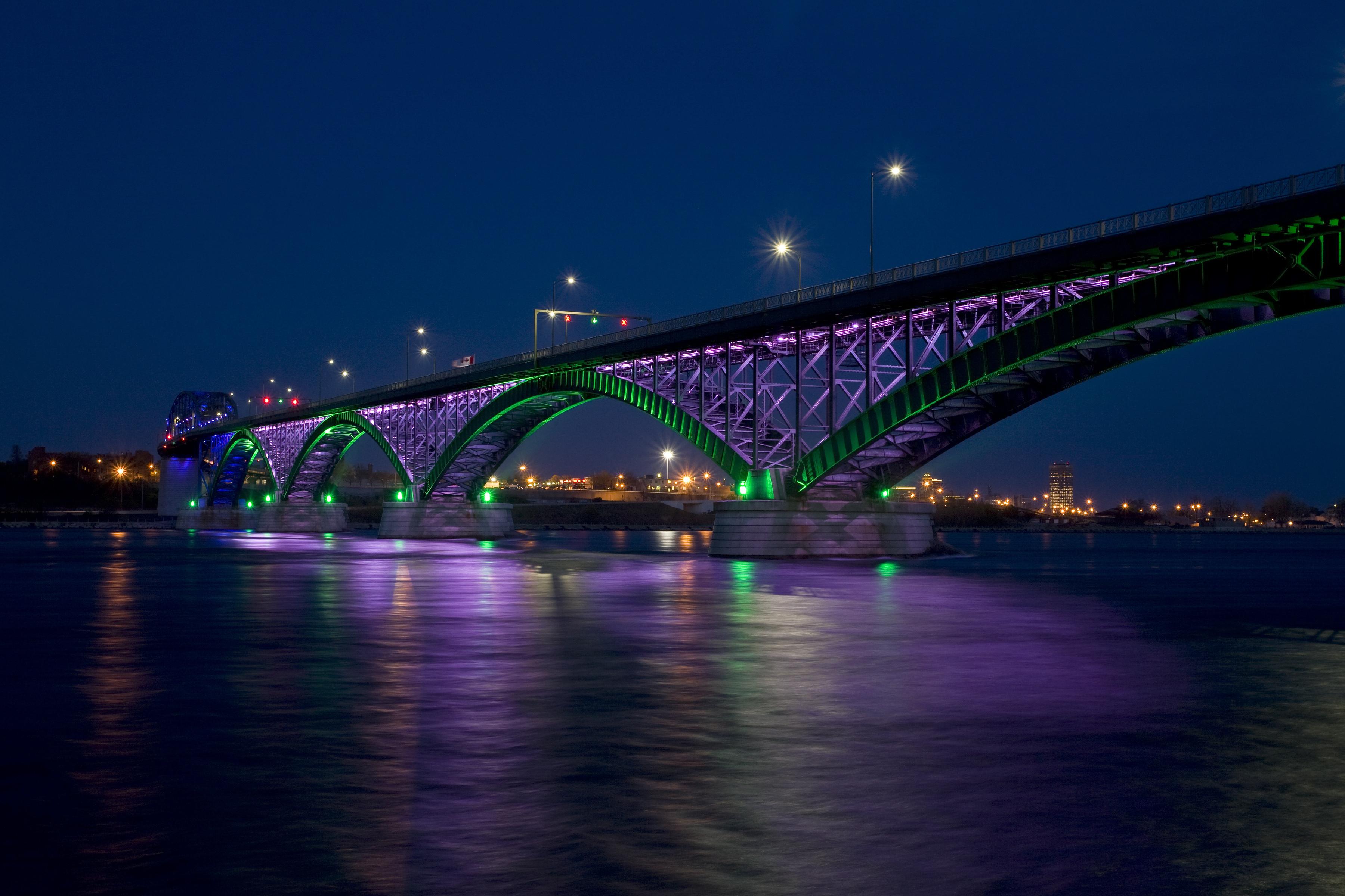 Мост над дорогой  № 2225403 загрузить