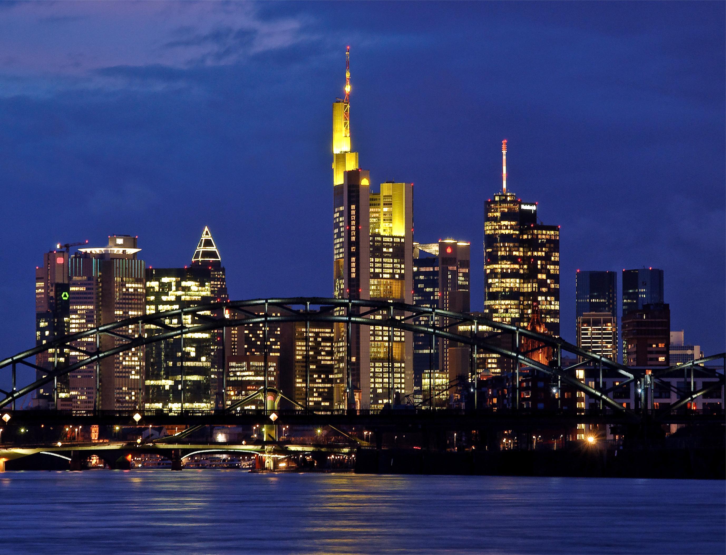 страны архитектура вечер город Франкфурт-на-Майне Германия  № 155533  скачать