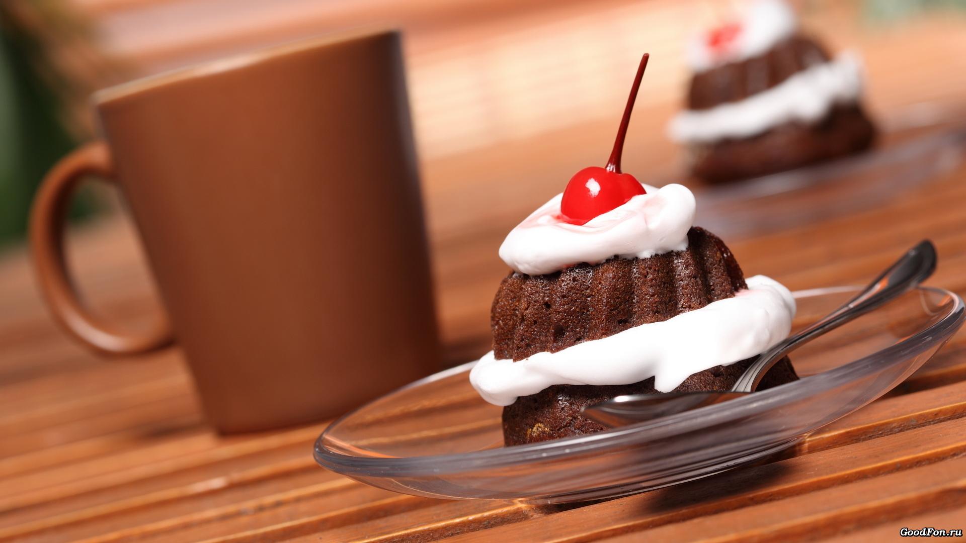 Кусочек торта с корицей онлайн