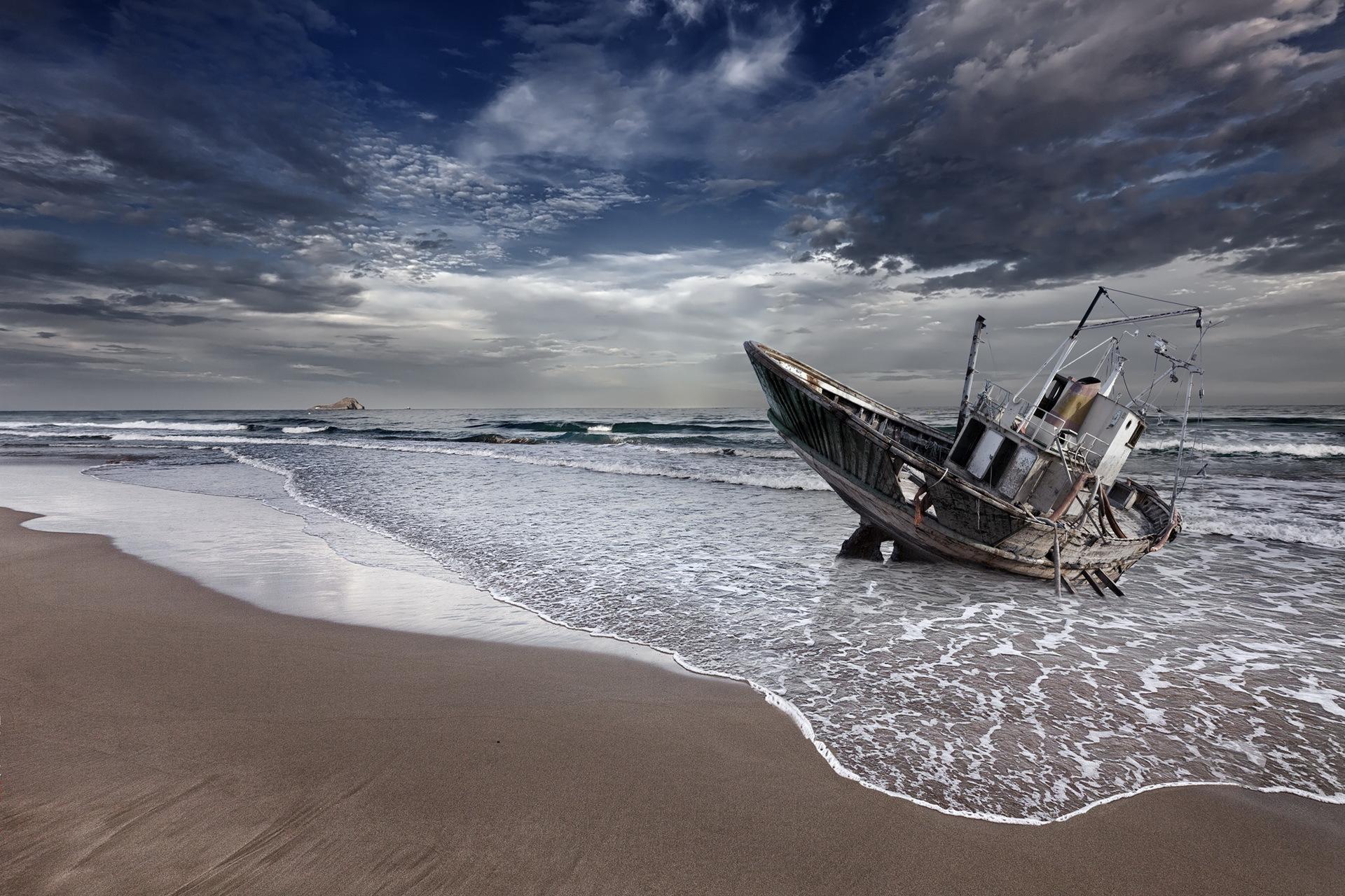 лодки ночь  № 3506399  скачать