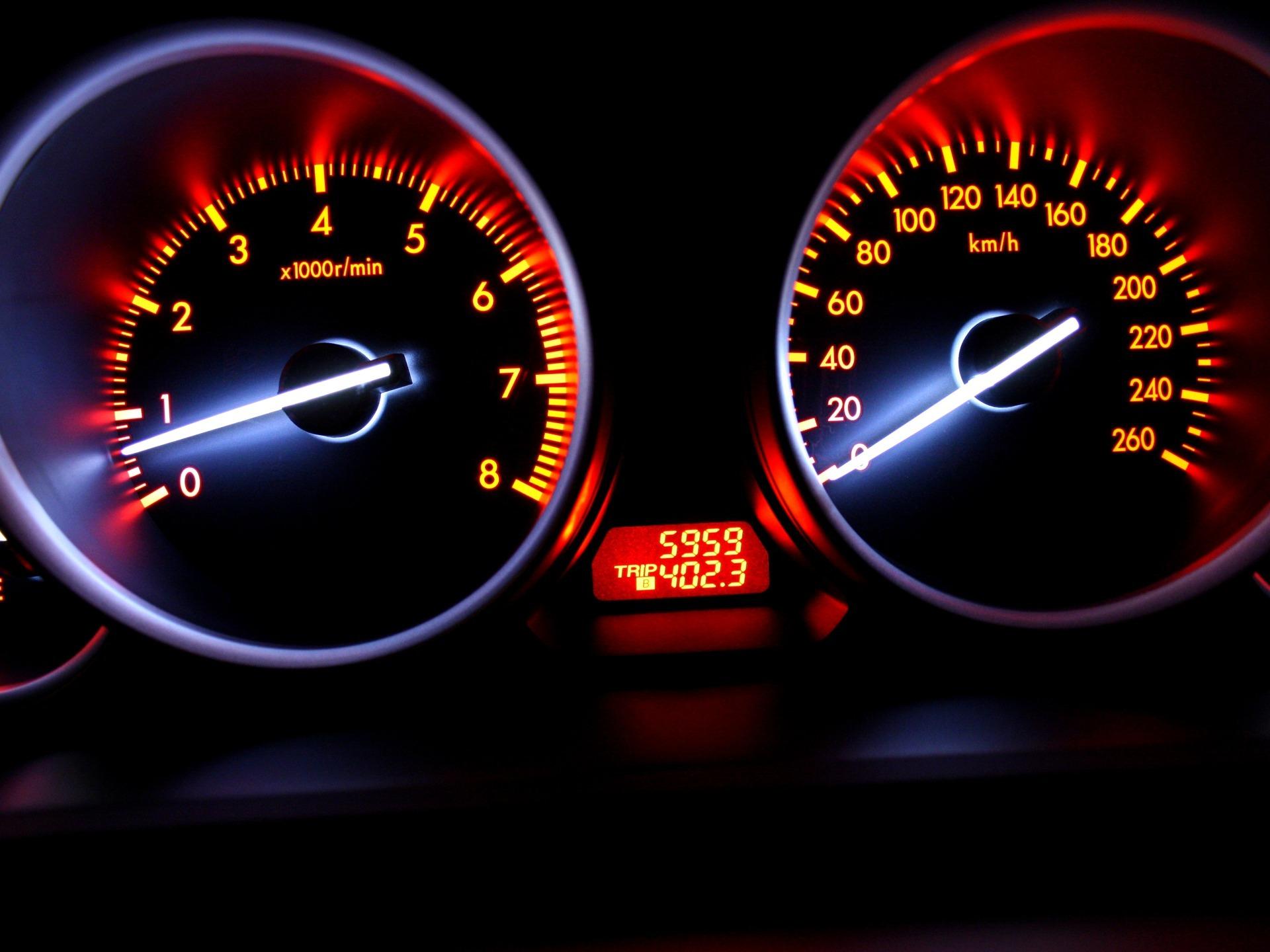 спидометр speedometer  № 2610980 без смс
