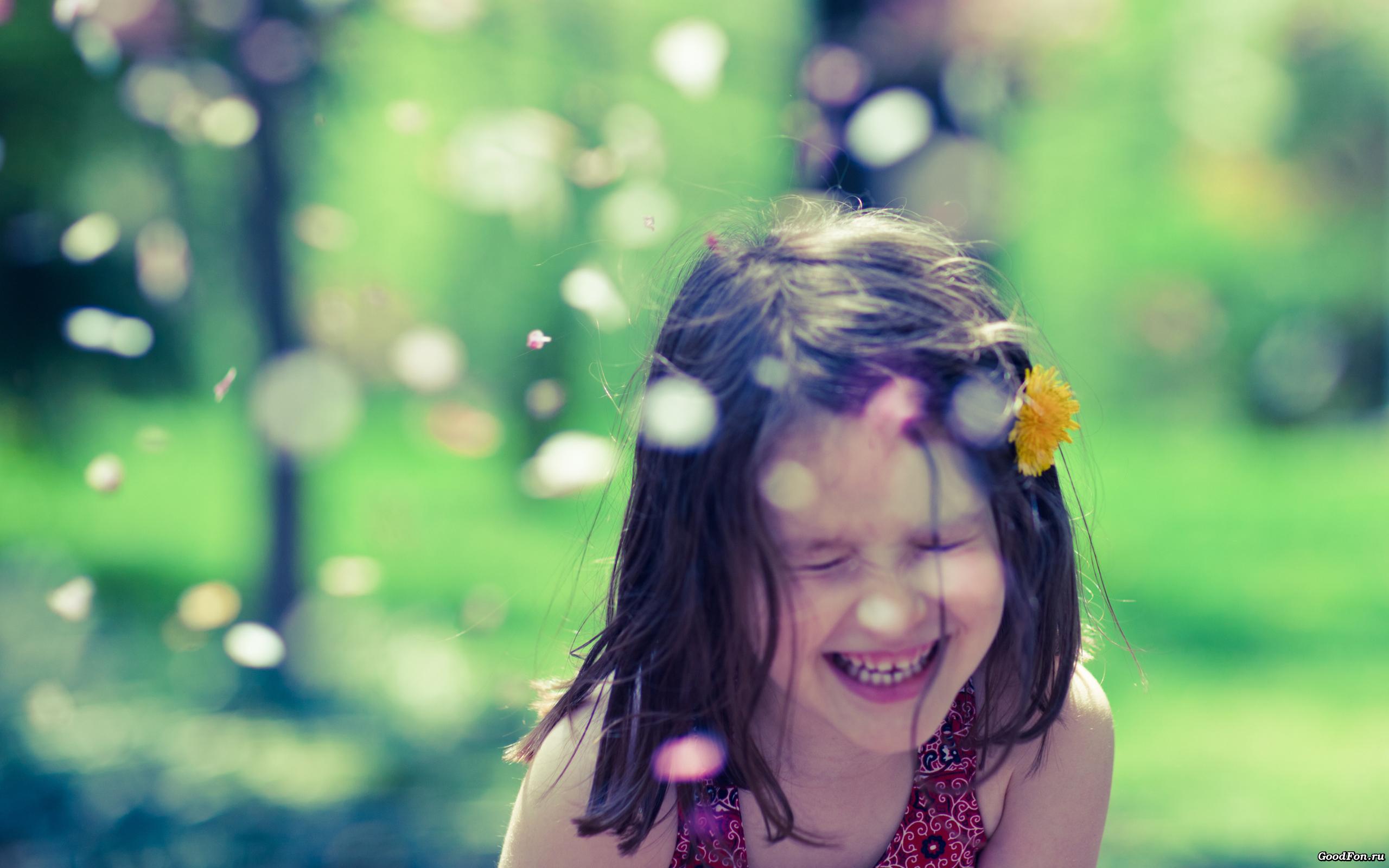 девченка веселая улыбка загрузить