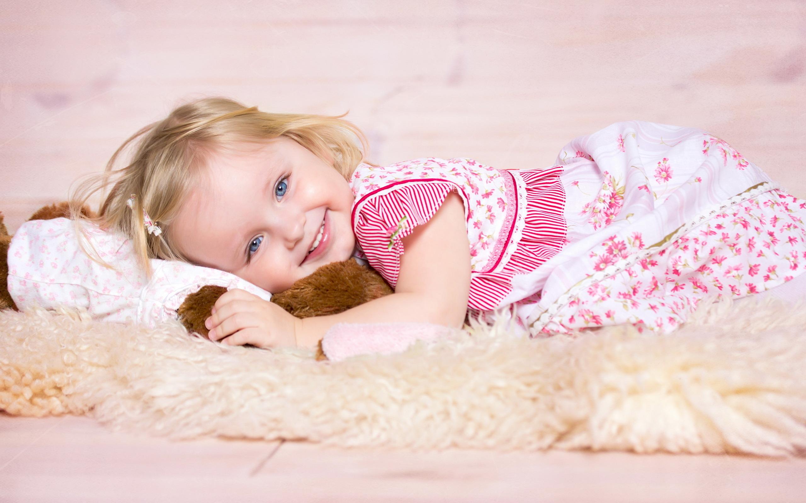 ребенок девочка  № 3563217  скачать