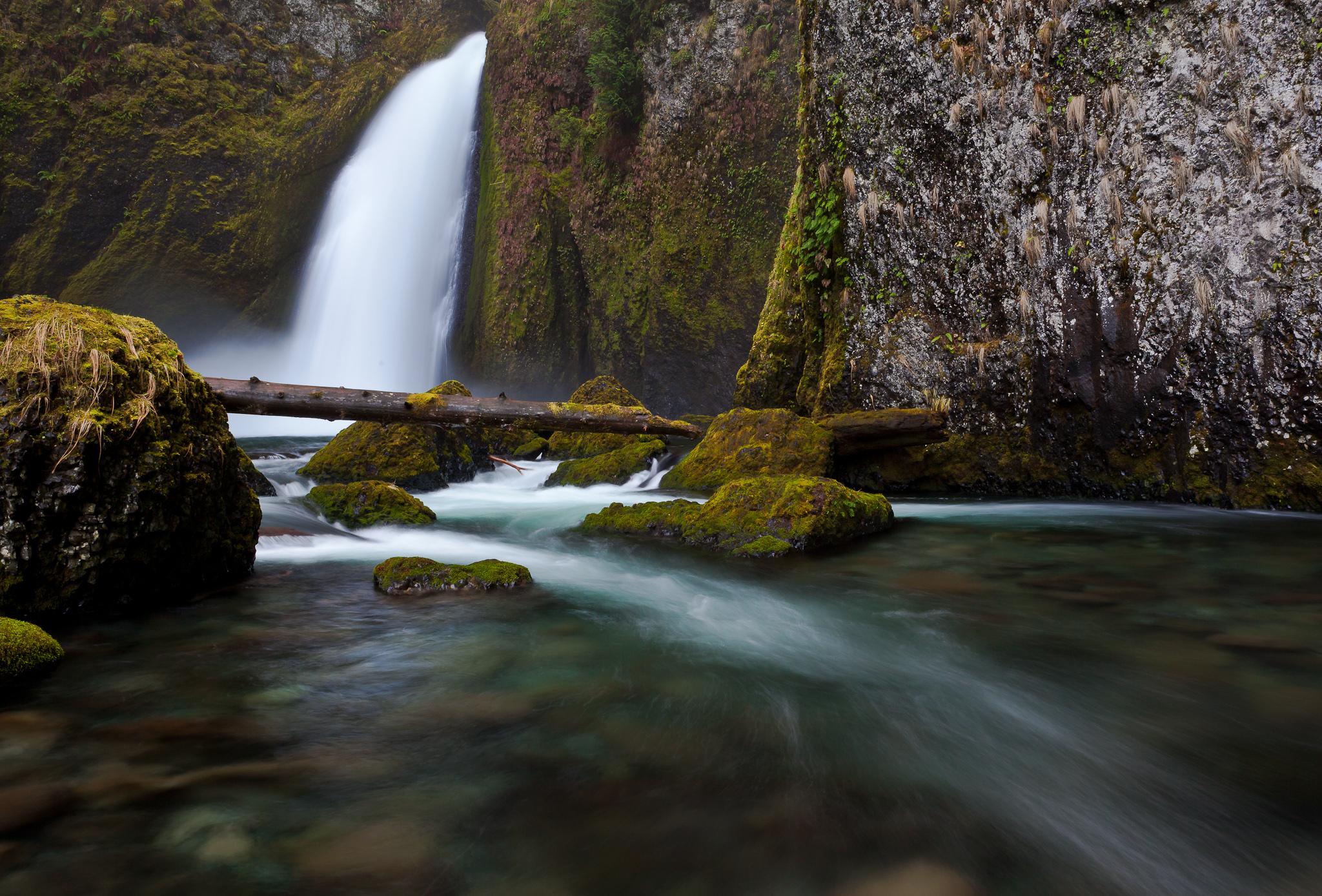 водопад камни скала без смс