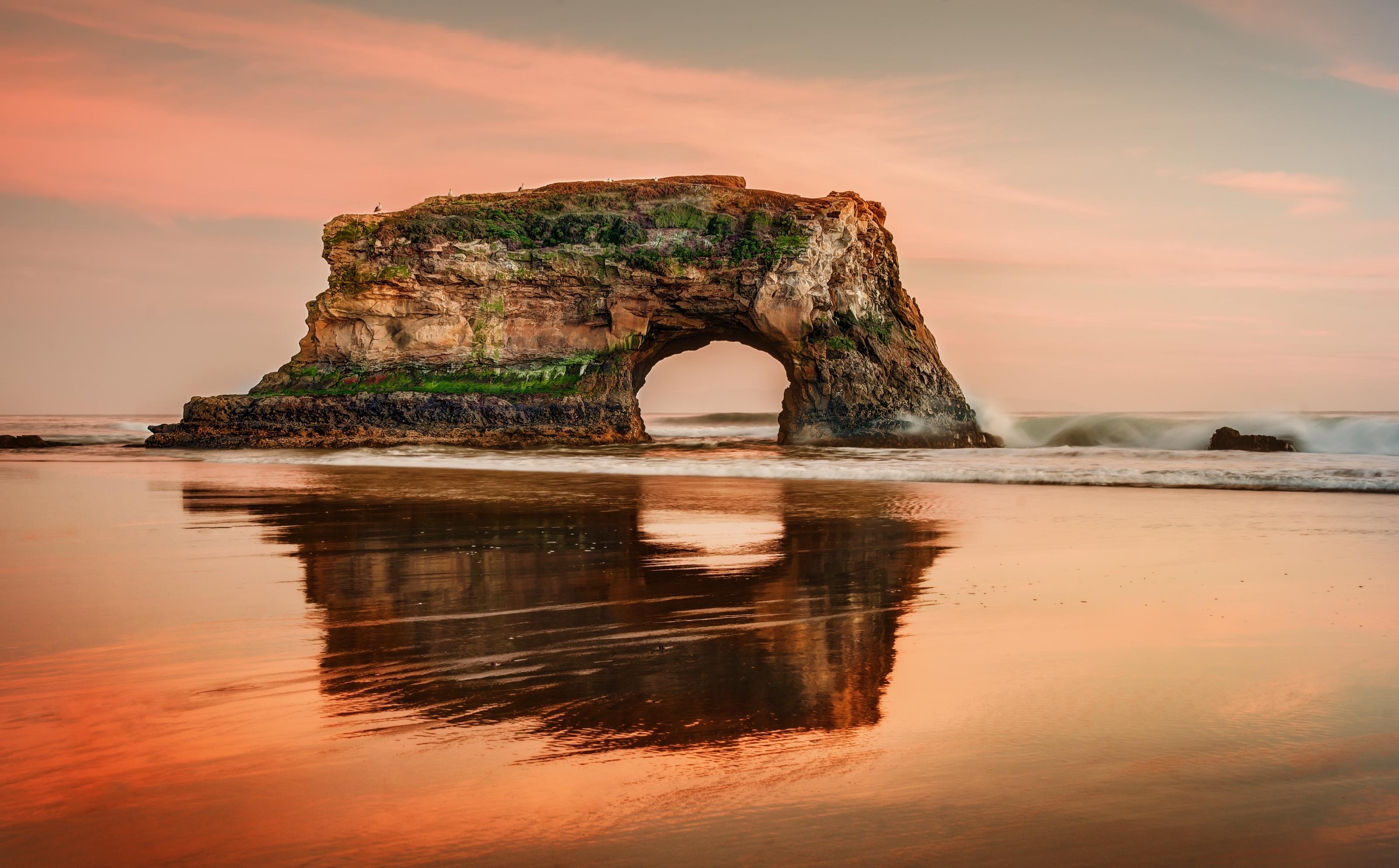 Скалы море природа  № 3800381 бесплатно
