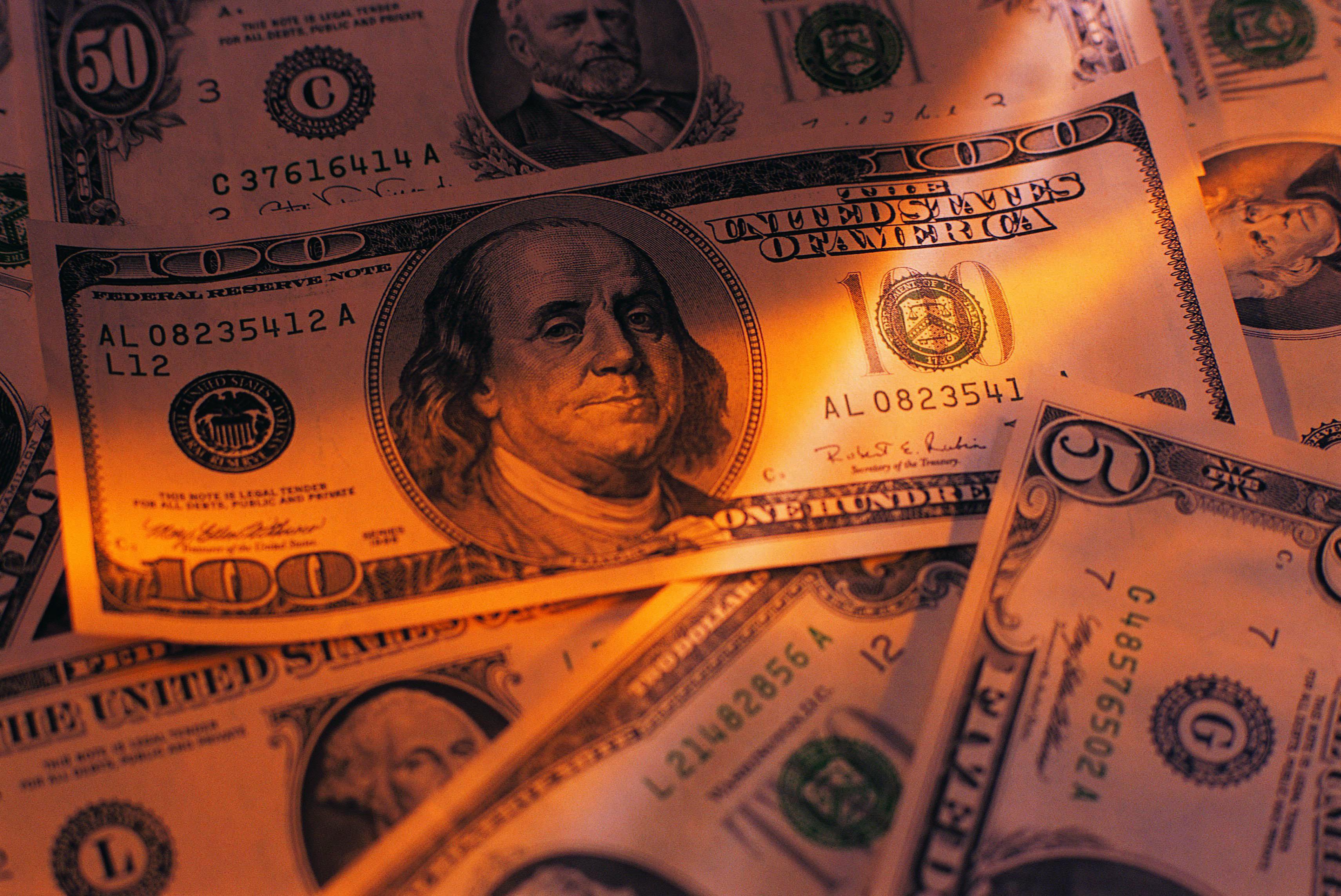 Обои для рабочего стола доллары и евро