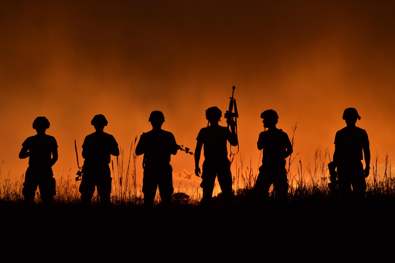 Солдаты  № 1913364 загрузить
